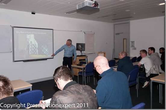 Bryan Talks damp diagnosis with Leeds Buidling surveying students-155253